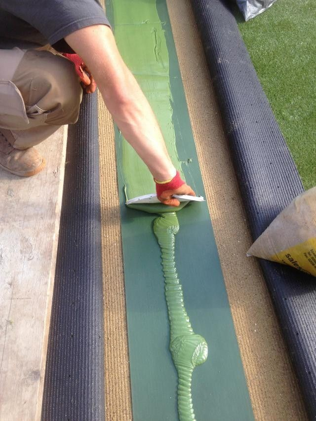 Letting Artificial Turf Installers Get the Job Done Right for You