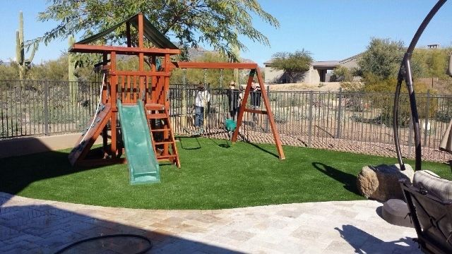 Artificial turf play yards