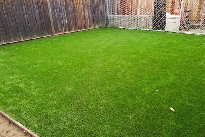 Want the Perfect Lawn Without the Effort? Synthetic Grass is for You