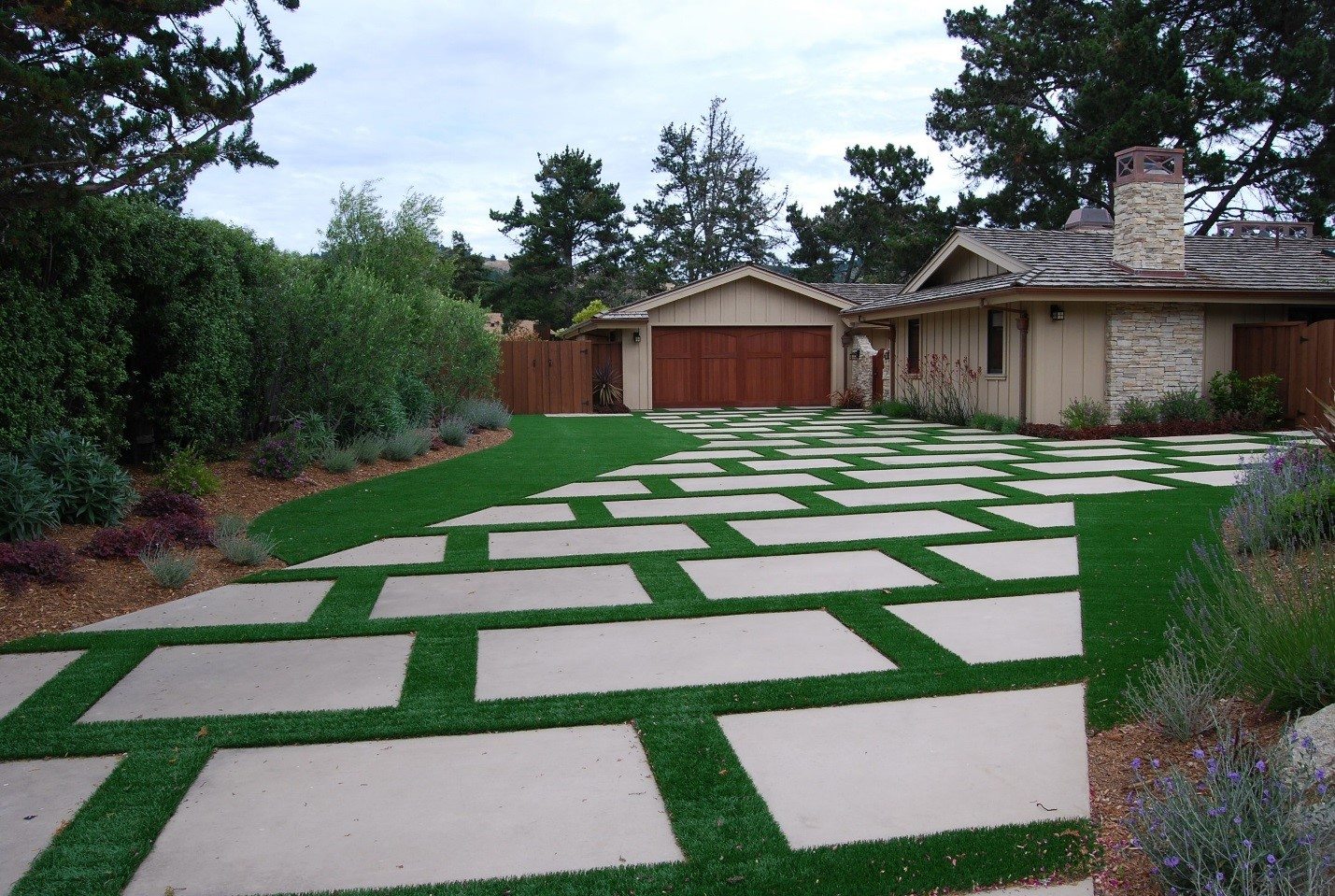 Get More Creative with Your Artificial Turf at Home ... on Artificial Turf Backyard Ideas id=41417
