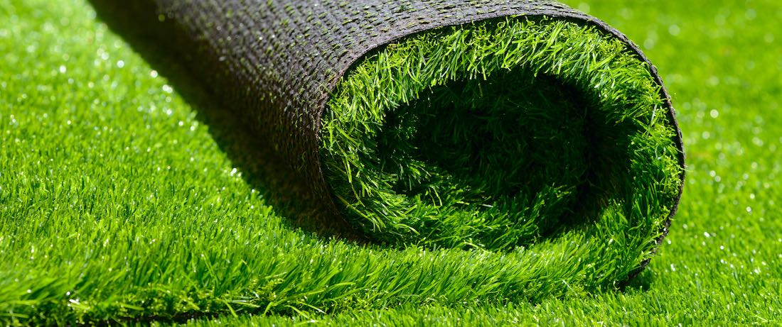 How to Make Outdoor Artificial Grasses Look Like the Real Thing