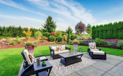 How to Maintain an Artificial Lawn